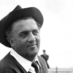 Fellini cumple 100 años